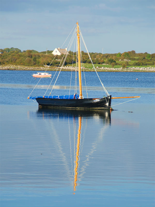 Day Tour of Burren & Cliffs of Moher - Hooker in the harbour at Kinvara